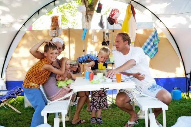 Vakantie met het hele gezin in de tent